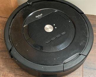 iRobot Roomba 805 Vacuum