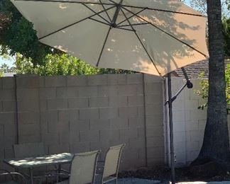 Cantilever Sun Shade Umbrella