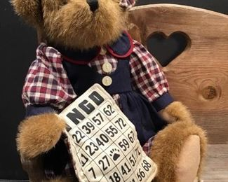 Boyds Bingo Bear on a Bench https://ctbids.com/#!/description/share/318764