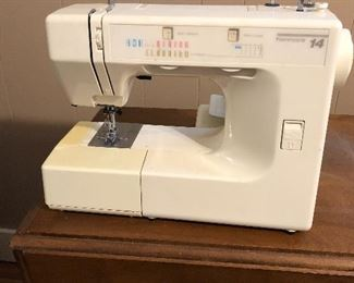 Kenmore Sewing Machine 14  Stitch 158 17811 With Foot Pedal Vintage