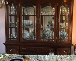 Traditional dining table, chairs & china cabinet