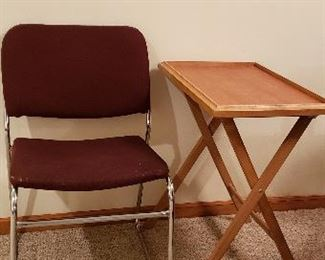 Metal frame side chair & wooden TV tray