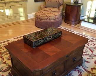 Coffee Table, accessories and Carpet
