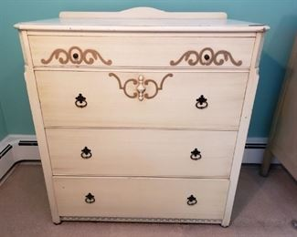 Mid-Century Dresser https://ctbids.com/#!/description/share/318369