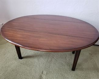 Kittinger Drop Leaf Coffee/Side Table https://ctbids.com/#!/description/share/319637