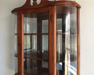 Wooden Hanging Display Case https://ctbids.com/#!/description/share/319650