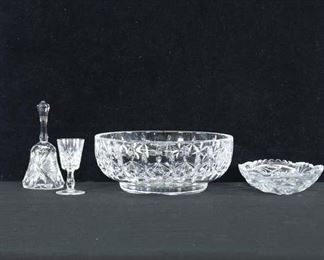 Set Of 4 Mix Lot Pressed Glass Bowls & Tableware