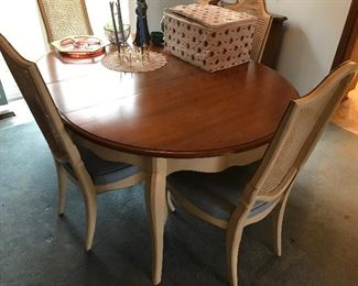 Dining room table w/4 chairs