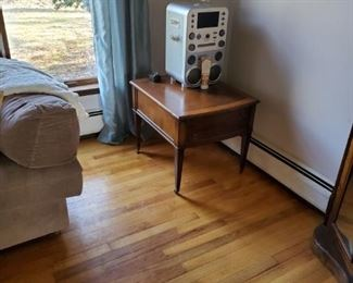 end table and stero
