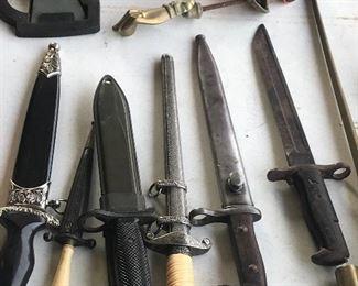 WW I & WW II bayonets