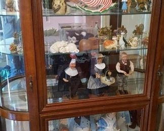 Large display cabinet w/collectible dolls