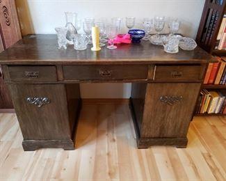 Arts/Crafts/Craftsman Vintage Desk