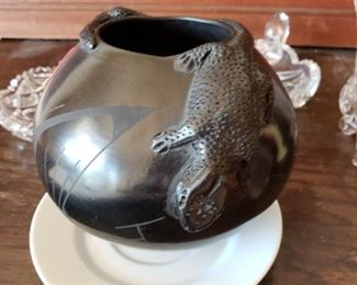 Mata Ortiz Indian Pottery - Genovena Quezada