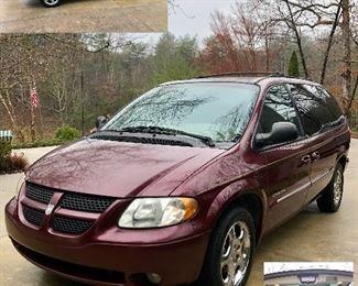 2001 Dodge Grand Caravan ES Van ready to go, go, go! Mileage 190957