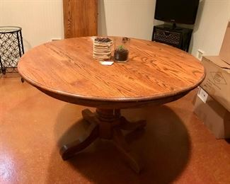 Round oak table with leaf