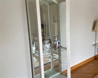 Wooden curio shelf/cabinet