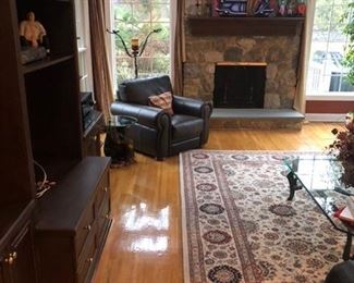 MATCHING LEATHER ARM CHAIR,  BEAUTIFUL AREA RUG