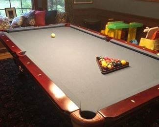 NEW FELT AND BUMPER POOL TABLE COMPLETE WITH  ACCESSORIES TO INCLUDE TABLE TOP TO CONVERT INTO A DINING TABLE   BRAND NAME IS CONNELLY