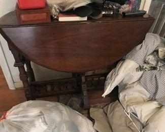 Antique Drop Leaf Table $ 138.00