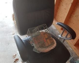 Office Chair in excellent condition.