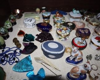 Vintage Jewelry, Wedgwood, Pill boxes