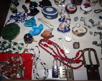 Costume Jewelry, Combination locks