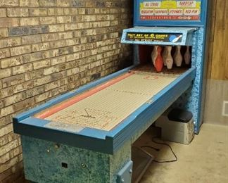 Vintage shuffle bowling arcade game