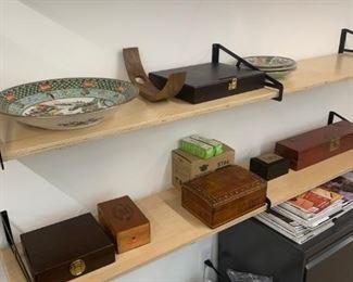 Porcelain bowls, antique boxes