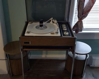 Zenith Mid-century CIRCLE OF SOUND Record PLAYER with pair of vintage omni-directional speakers on Player Receiver Rack Cart Stand