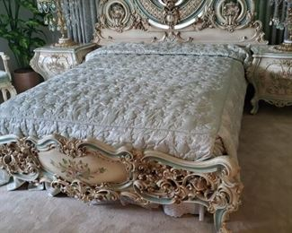 "Queen Bed 84"" wide."