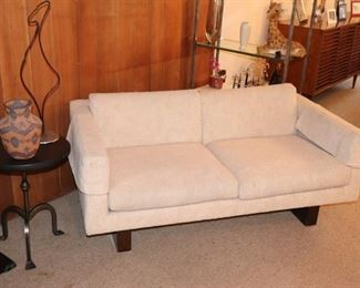Mid Century White Love Seat with Round Pedestal Side Table and Urn