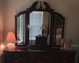 Alternate view of dresser & mirror