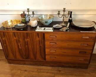 Mid-Century Modern credenza or buffet