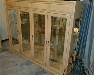 2 piece china hutch, mirror cracked (lights up)