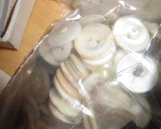TONS of vintage buttons!!!