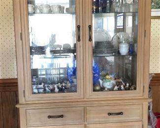 Stanley Kitchen China Cabinet/Hutch
