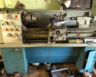 INDUSTRIAL MILL DRILLING LATHE MACHINE