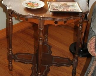 furniture scalloped end table