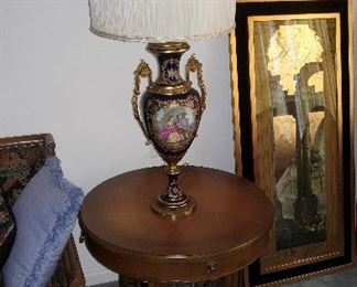 Excellent side table and large signed table lamp.