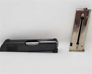 134: Colt Junior .22 conversion kit Colt Junior .22 conversion includes one Magazine and original box