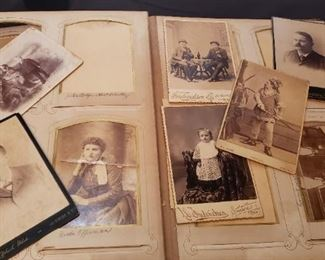 Albums of old pictres