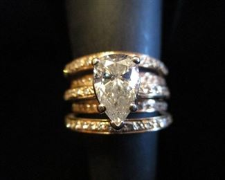HUGE DIAMOND SOLITAIRE AND 14KT GOLD RING