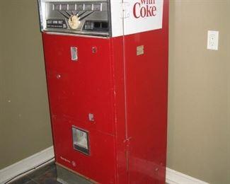 Coca-Cola Machine - 10 cents – Westinghouse Model: WB60-K6-D Part No: Y-37908 – Original paint, original lettering