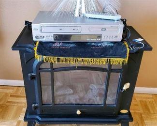 Fireplace style heater