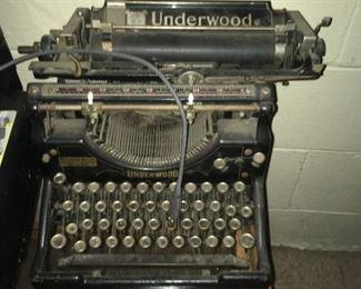 . . . a vintage Underwood typewriter -- nice find!