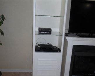Cottage white display unit (2) with glass shelves and light