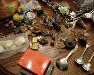 hundreds of small frogs and other tiny collectibles