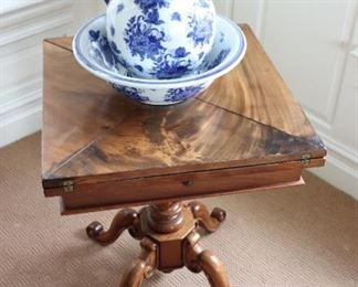 Gaming Table with Decorative Pitcher & Bowl