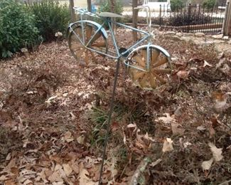 Another decorative bike for your yard!