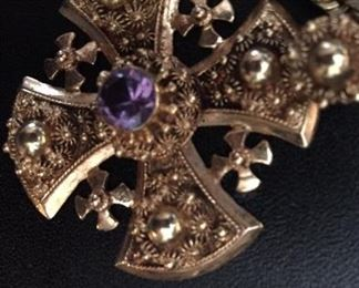 23 gram solid 18kt gold cross pendant